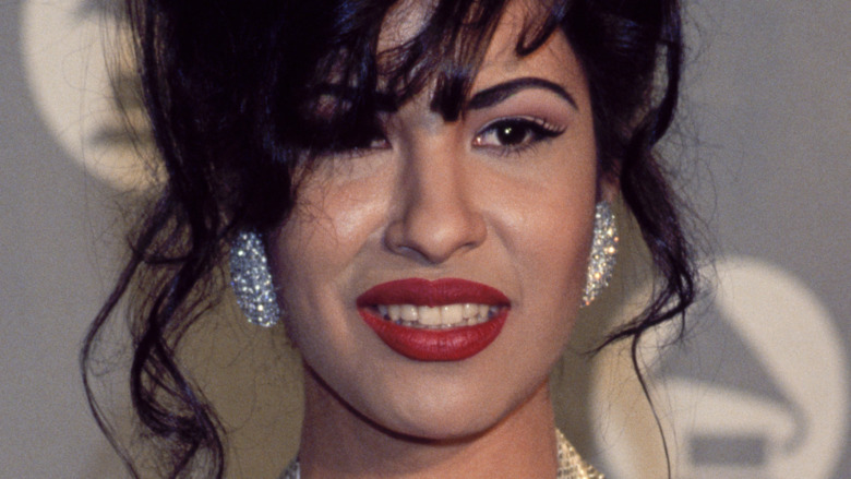 Selena Quintanilla poserer