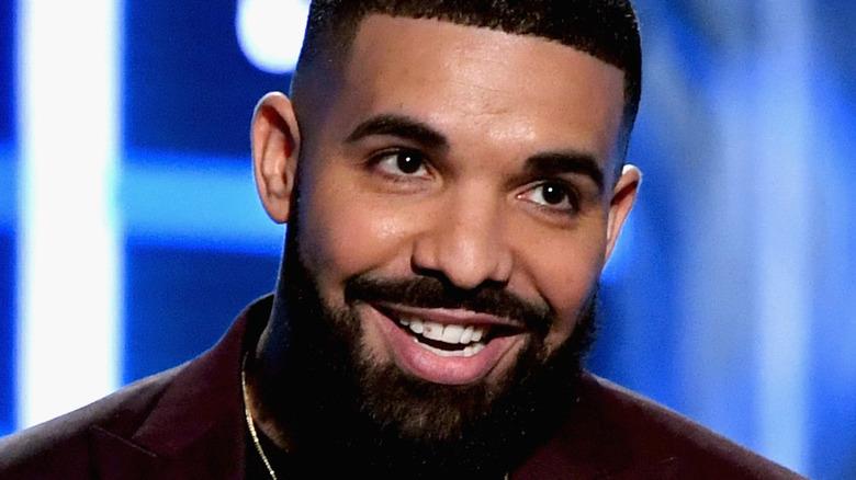 Drake tar imot prisen