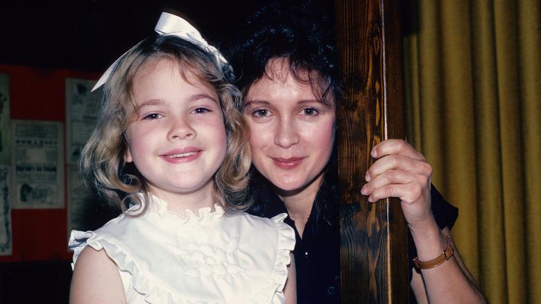 Drew Barrymore med mor Jaid, 1982