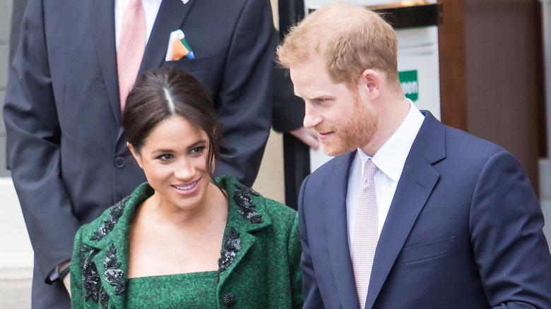 Meghan Markle og prins Harry smilte i 2019