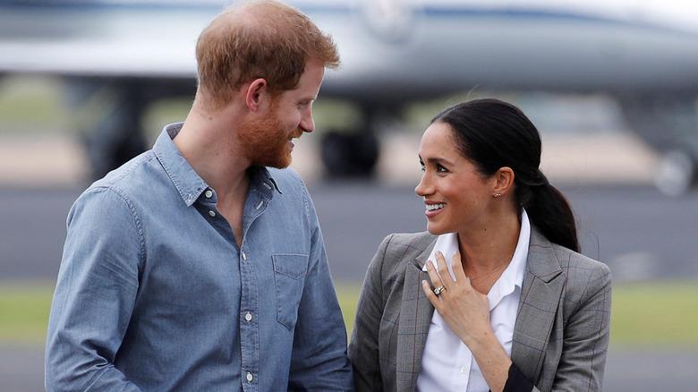 Prins Harry, hertugen av Sussex og Meghan, hertuginne av Sussex ankommer Dubbo, Australia.
