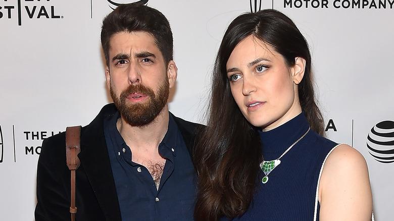 Adam Goldberg og Roxanne Daner, poserer for kameraer