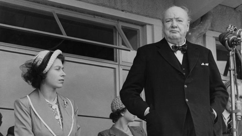 Dronning Elizabeth II og Winston Churchill i 1965