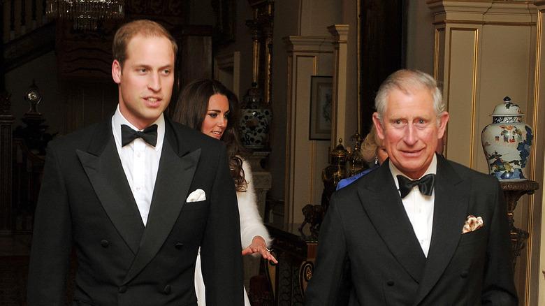 Prins William går sammen med prins Charles