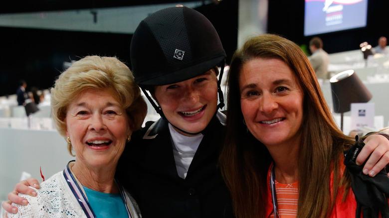 Melinda Gates med datteren og moren