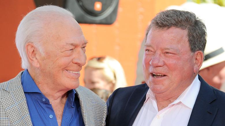 Christopher Plummer og William Shatner smiler