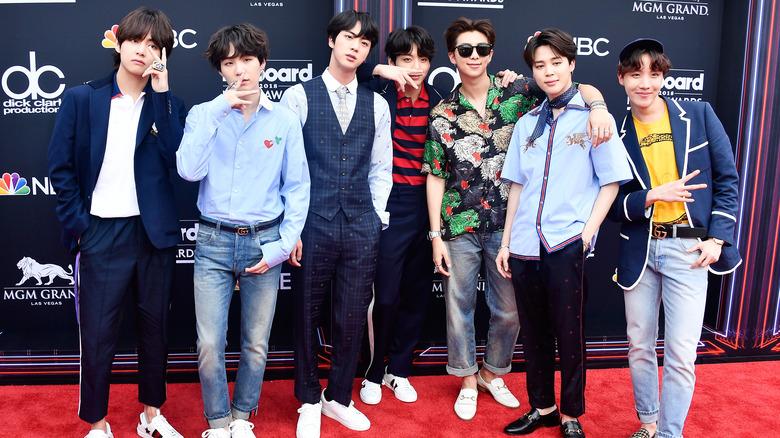 BTS på rød løper på Billboard Music Awards
