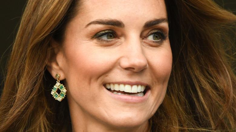 Kate Middleton grønne øreringer