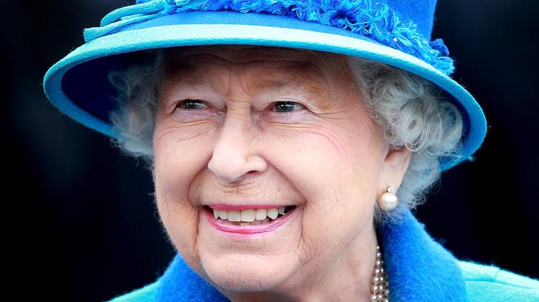 Dronning Elizabeth i blått