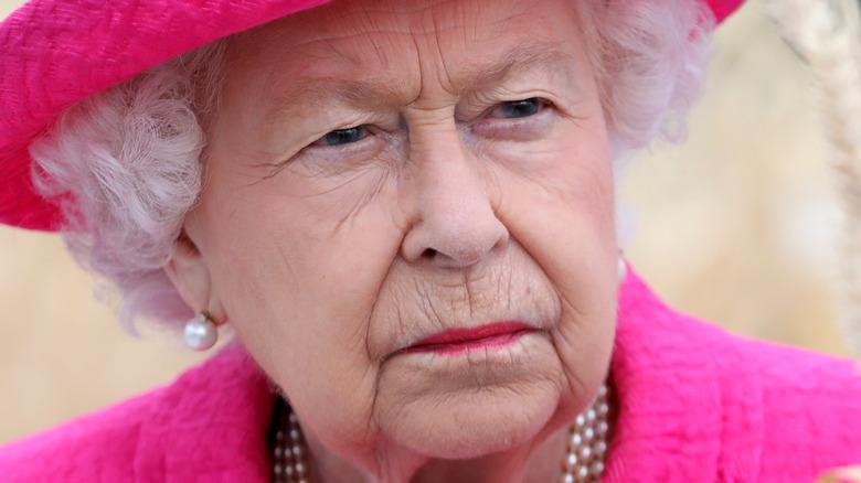 Dronning Elizabeth alvorlig