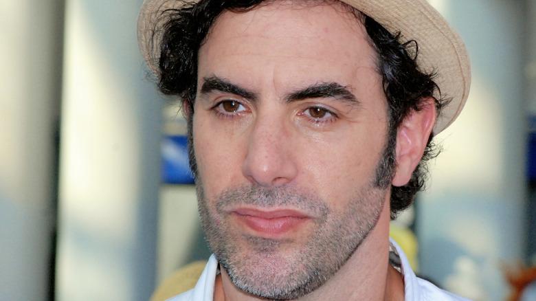 Sacha Baron Cohen i tan fedora