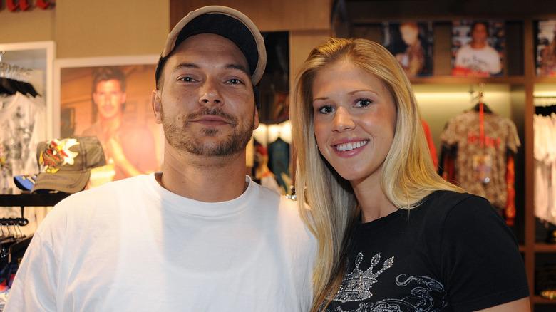 Kevin Federline poserer med Victoria Prince