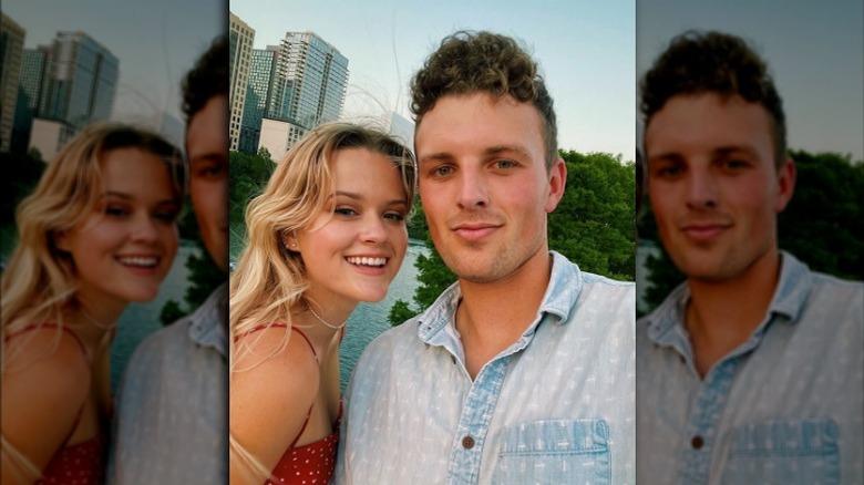 Ava Phillippe tar selfie med kjæresten Owen Mahoney