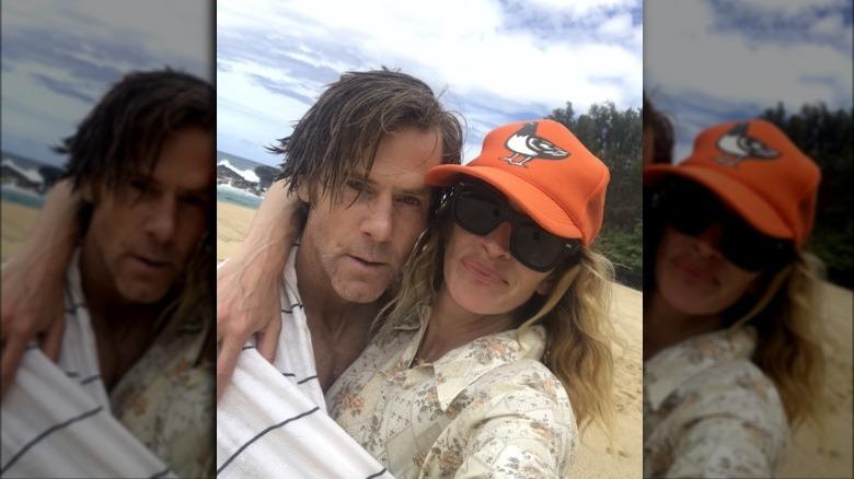 Julia Roberts og Daniel Moder stiller opp for en selfie