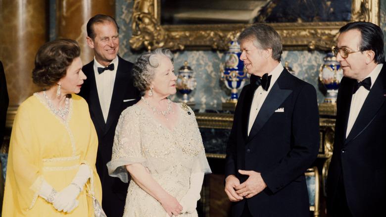 Jimmy Carter, dronning Elizabeth, prins Philip, Walter Mondale og dronningmoren