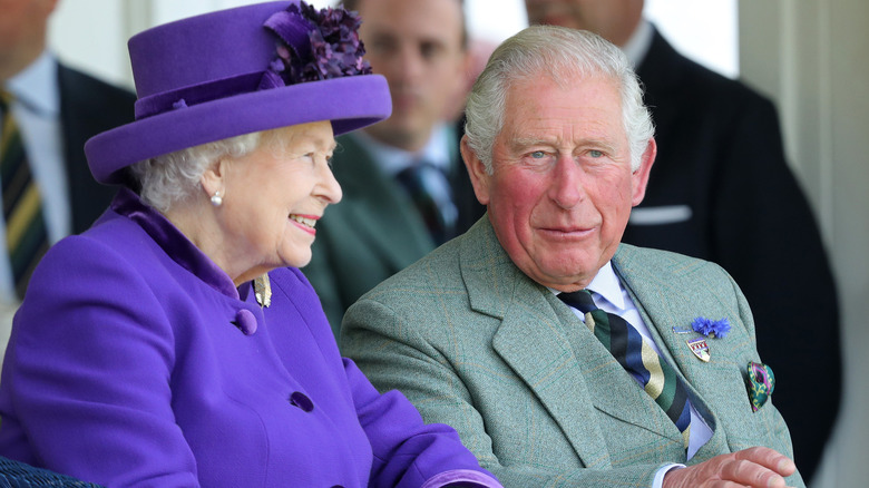 Dronning Elizabeth og prins Charles
