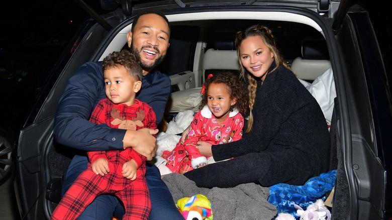 John Legend og Chrissy Teigen med barna sine