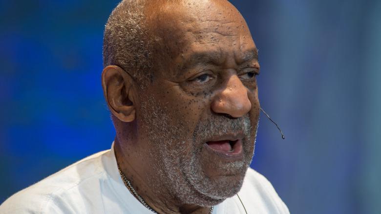 Bill Cosby snakker