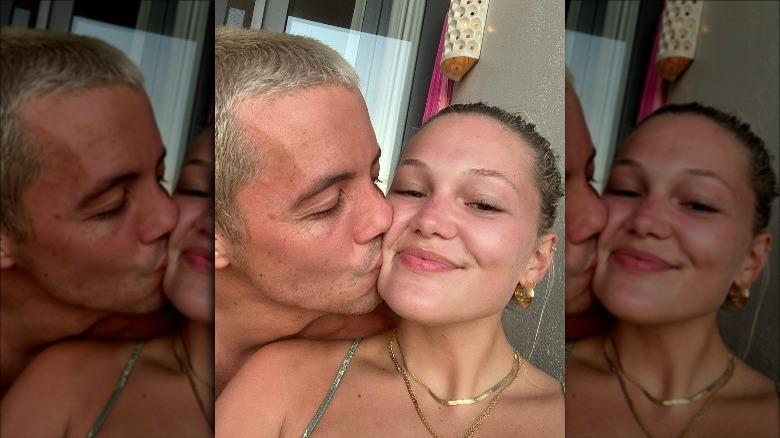 Tony Ferrari og Olivia Holt selfie