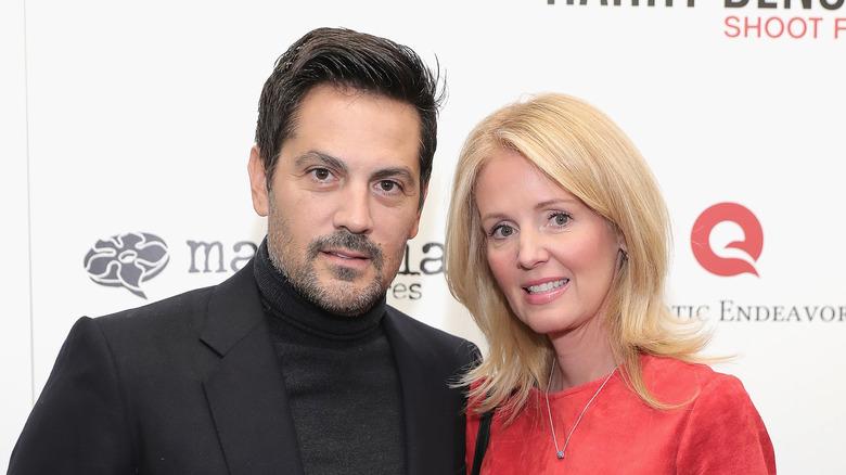 Michael Landes og Wendy Benson poserer sammen