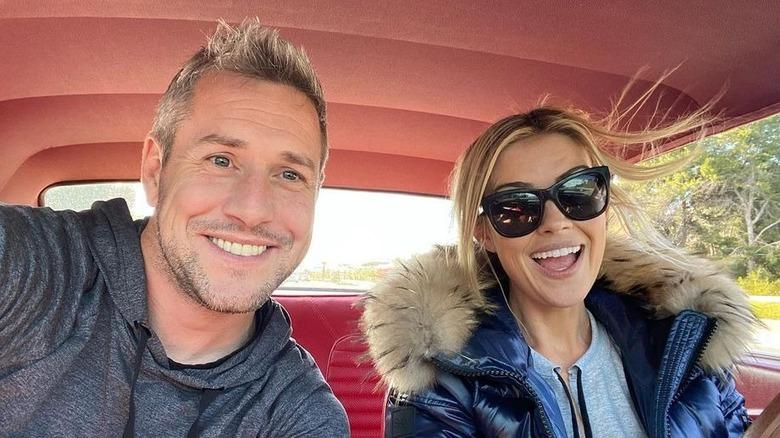 Ant Anstead og Christina Haack i en bil