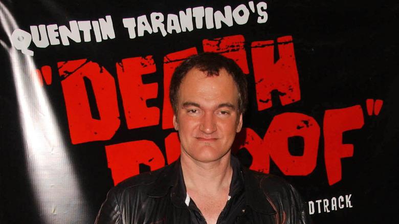 Quentin Tarantino bak en Death Proof-plakat