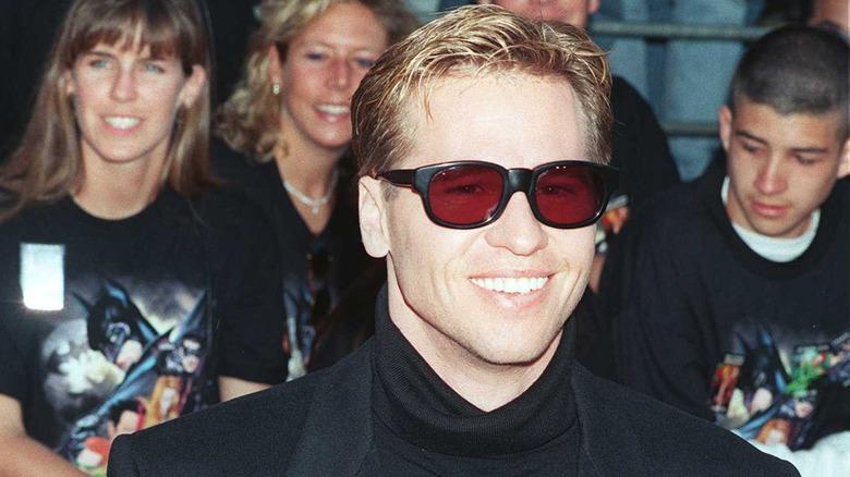 "Val Kilmer, 1995 ""Batman Forever"" -premiere, iført solbriller"