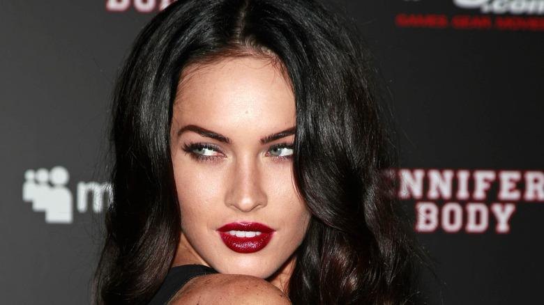 Megan Fox ser bort