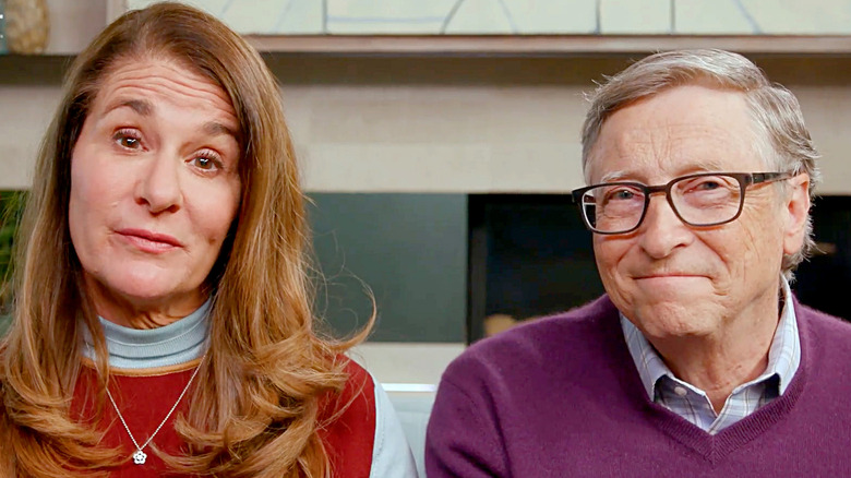 Melinda Gates og Bill Gates snakker på kamera
