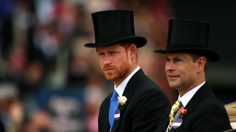 Prins Harry og prins Edward iført tophats