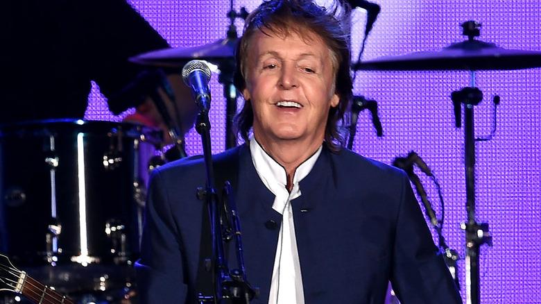 Paul McCartney, poserer