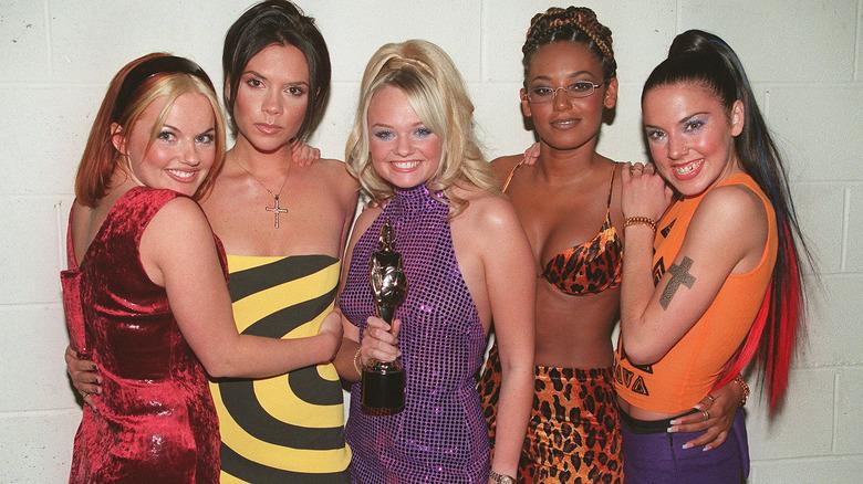 Spice Girls poserer for gruppeskudd