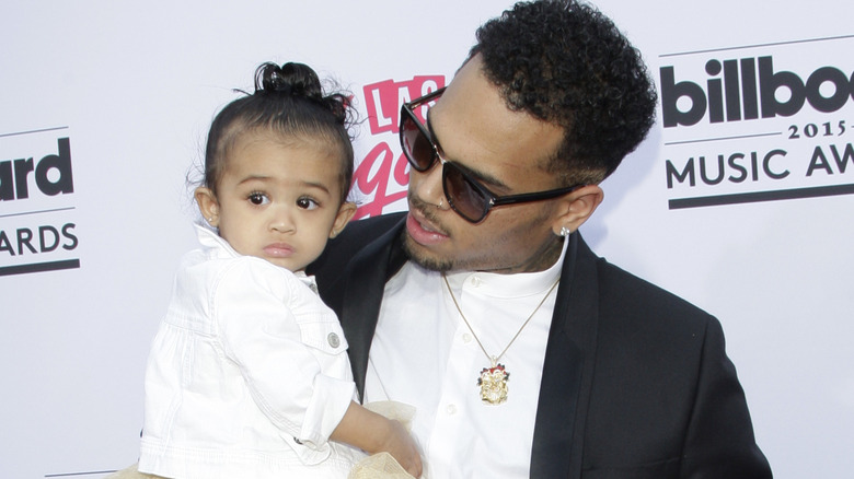 Royalty i armene til Chris Brown