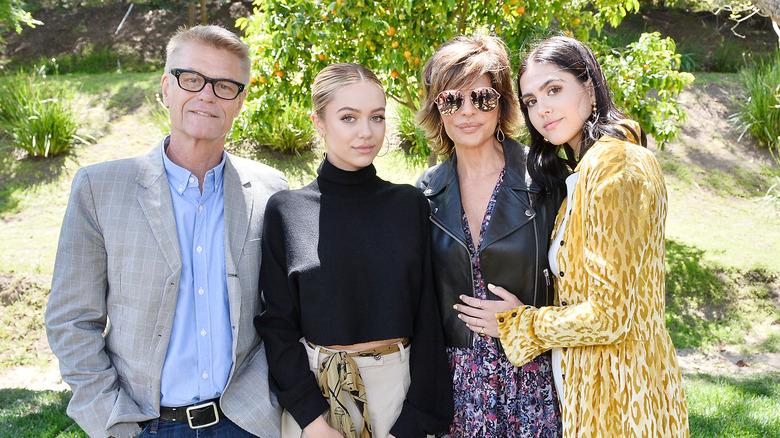 Harry Hamlin, Delilah Belle Hamlin, Lisa Rinna og Amelia Gray Hamlin deltar på Malibu-arrangementet som en familie 2017