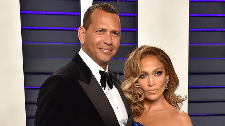 Alex Rodriguez og Jennifer Lopez poserer