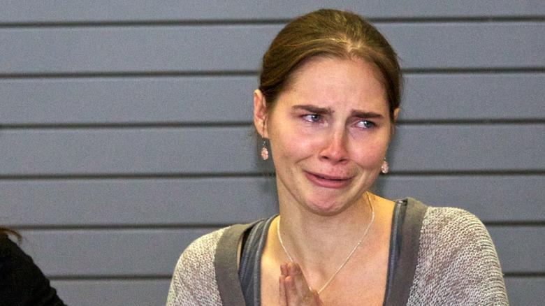 Amanda Knox, 2011-bilde av henne som gråter og ser trist ut