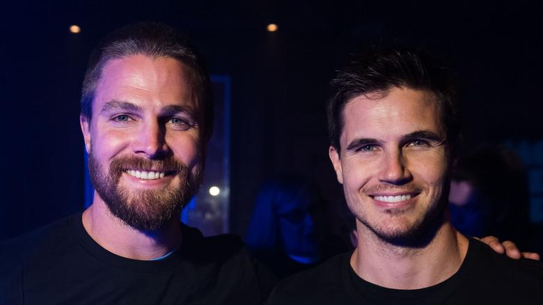 Stephen Amell og Robbie Amell