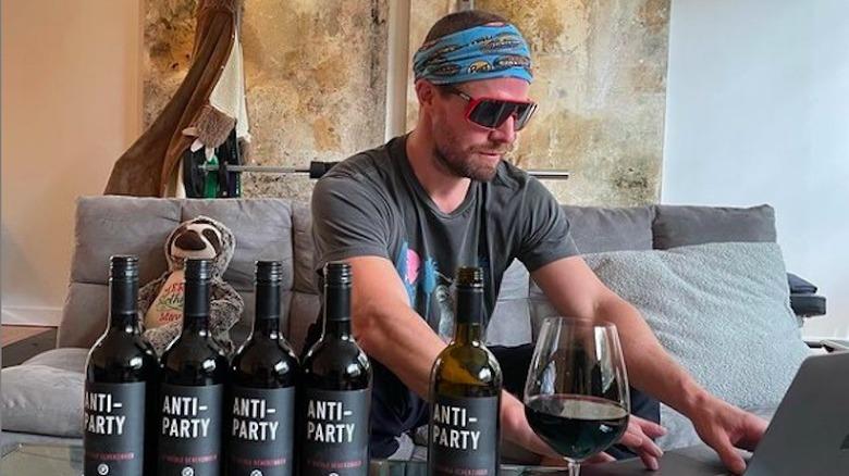 Stephen Amell og viner