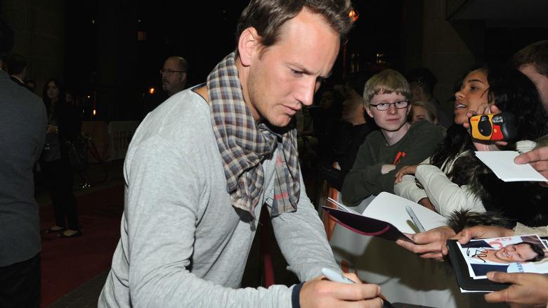 Patrick Wilson signerer autografer
