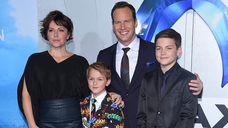 Patrick Wilson poserer med sin kone og barna