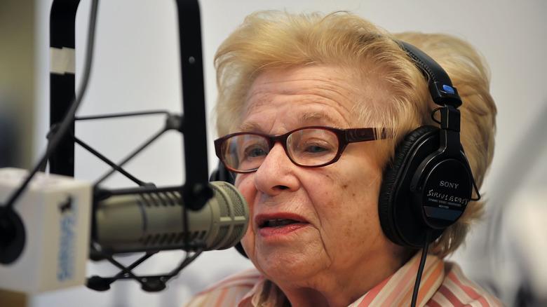 Dr Ruth på radioen