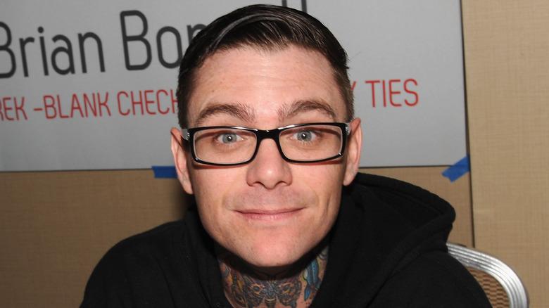 Brian Bonsall bruker briller