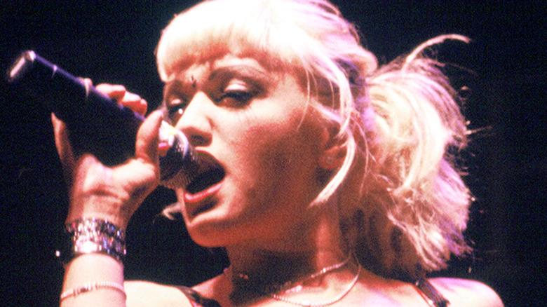 Gwen Stefani synger tilbake på dagen