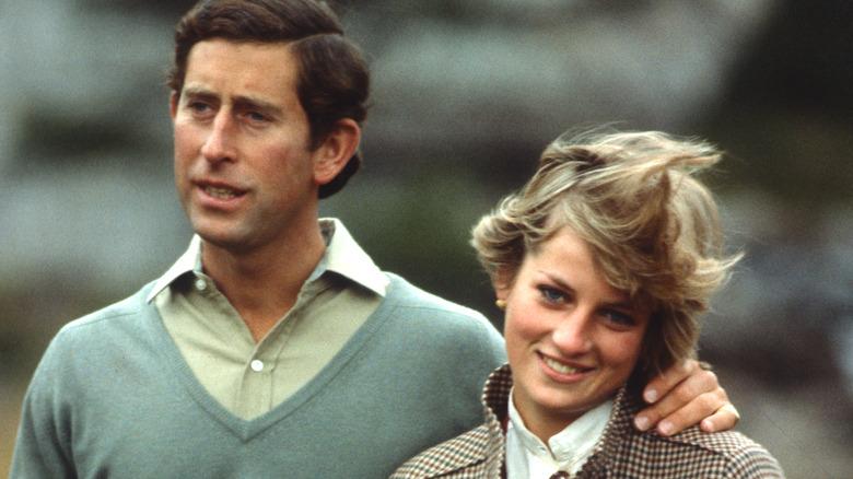 Prins Charles og prinsesse Diana går