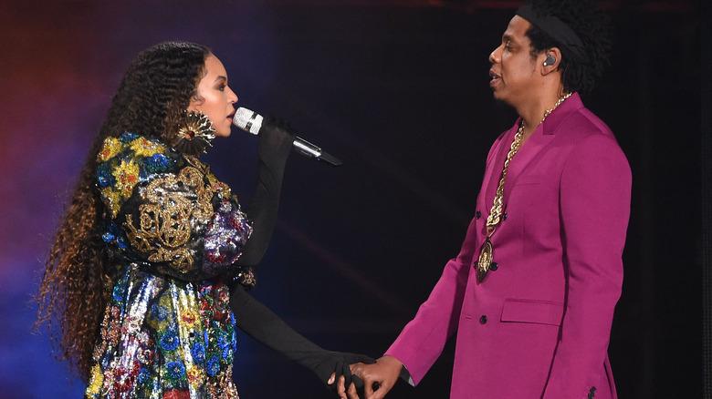 Beyonce og Jay-Z opptrer