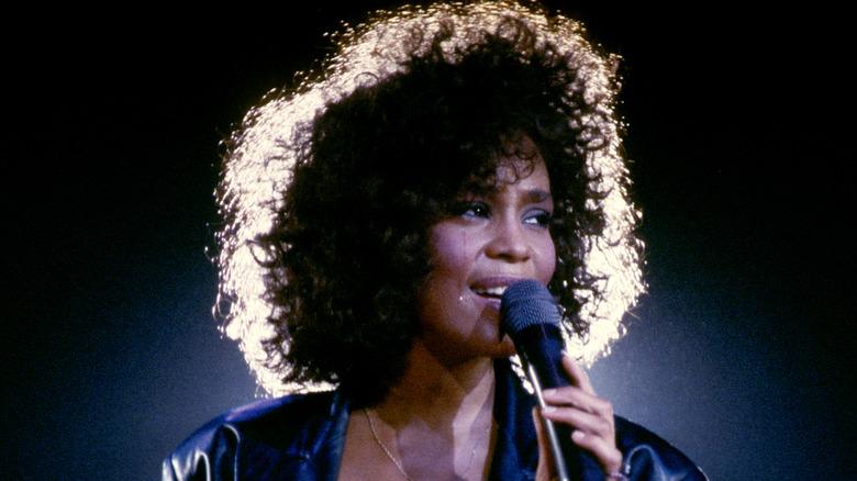 Whitney Houston opptrer