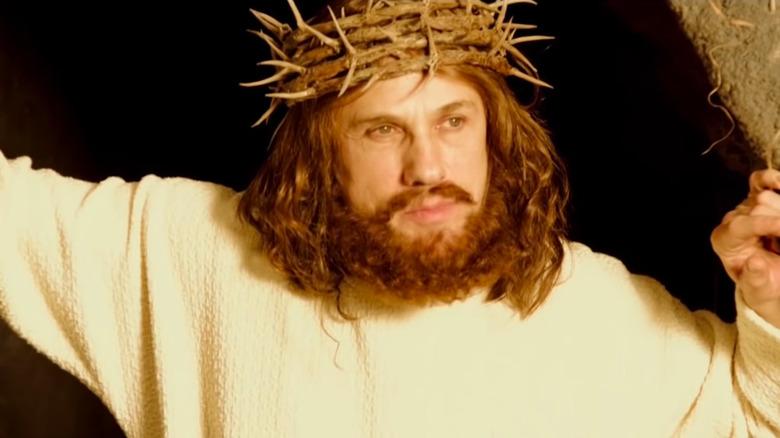Christopher Waltz spiller Jesus i en SNL-skisse