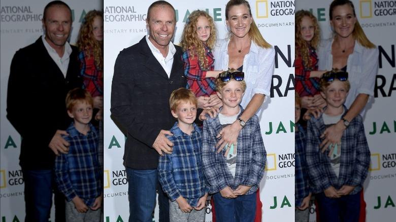 Kerri Walsh Jennings med mann og tre barn