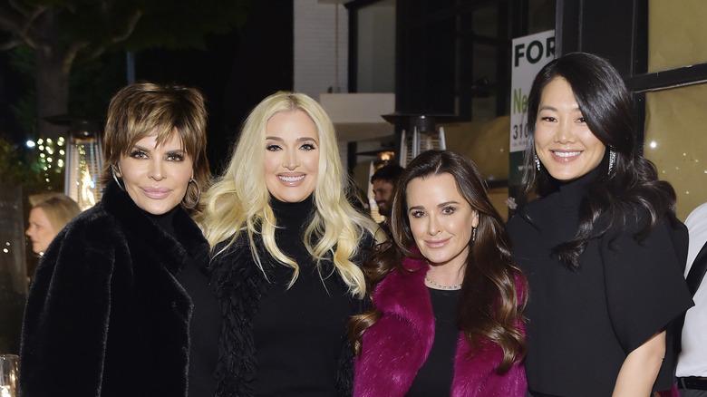 Erika Jayne poserer med Lisa Rinna, Crystal Kung Minkoff og Kyle Richards