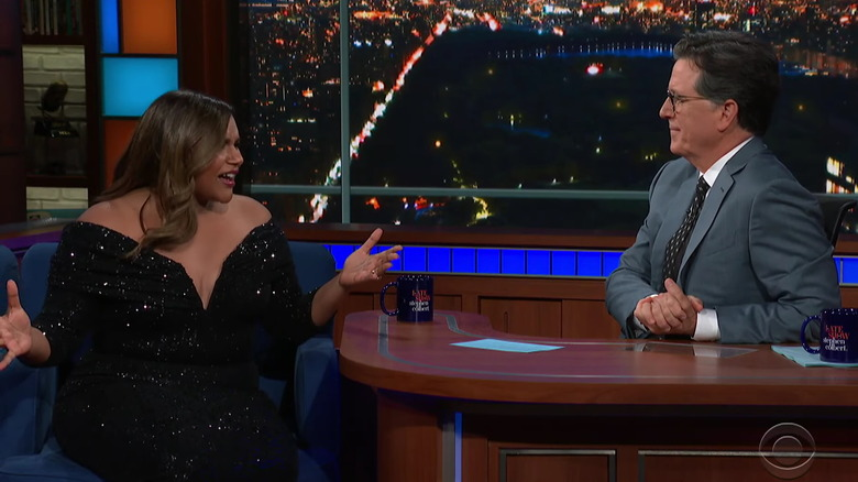 Mindy Kaling på The Late Show With Stephen Colbert
